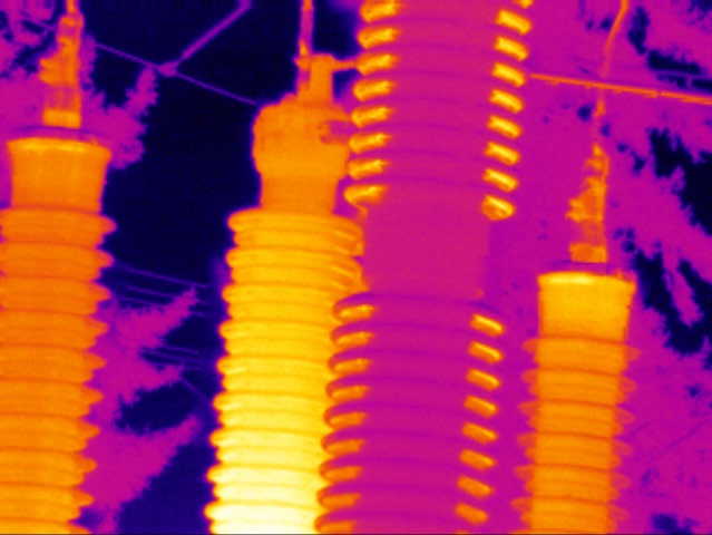 Thermal image showing three target points